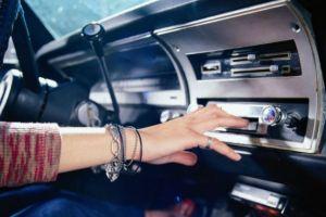 Musica alta no carro